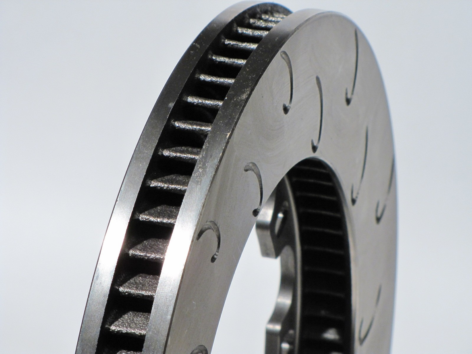 "AP Racing CP3908 12.81"" x1.25"" (325mm x 32mm) Heavy Duty, 70 Vane, J Hook Racing Brake Disc (Right)"